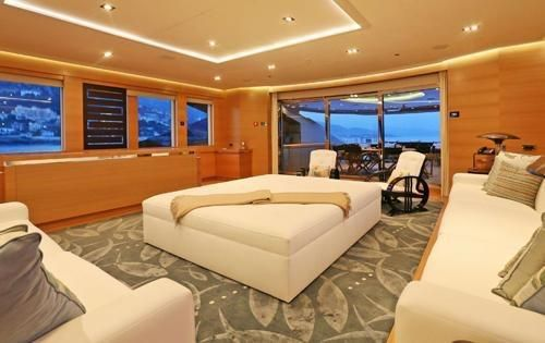 Mega Yacht, 5 stunning staterooms for 10 guests,2010, Ref YT8787